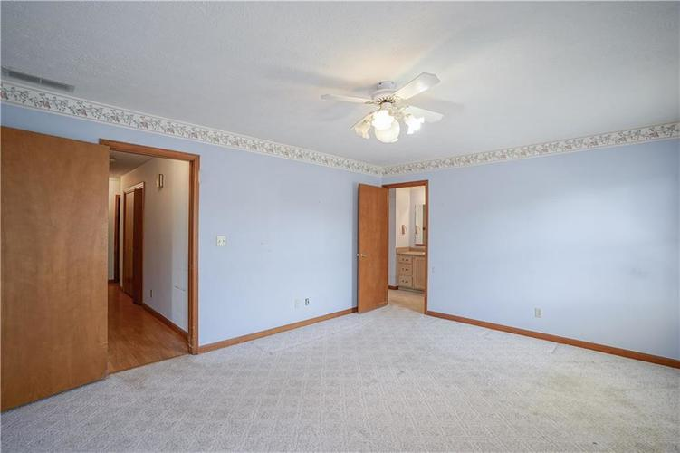 1317 Buckley Court Indianapolis IN 46229 | MLS 21707171 | photo 22