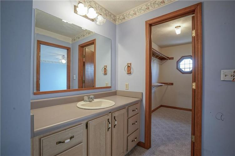 1317 Buckley Court Indianapolis IN 46229 | MLS 21707171 | photo 24