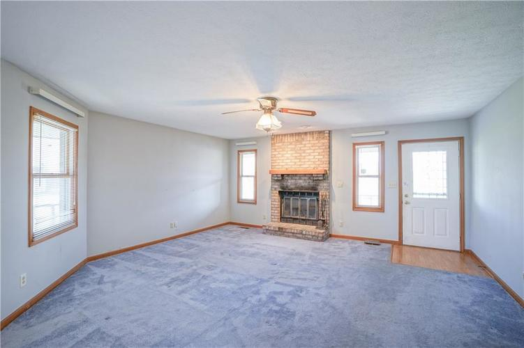 1317 Buckley Court Indianapolis IN 46229 | MLS 21707171 | photo 4
