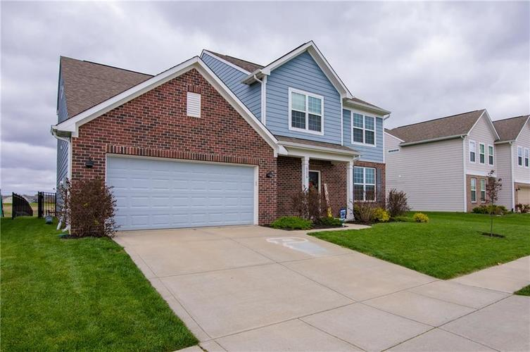 6376 Meadowview Drive Whitestown IN 46075 | MLS 21707211 | photo 2