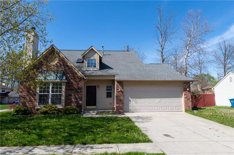 11502 E BOONE Drive Indianapolis IN 46229 | MLS 21707294 | photo 1