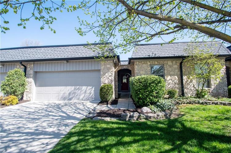 1050 CARTERS GROVE Indianapolis IN 46260 | MLS 21707306 | photo 1