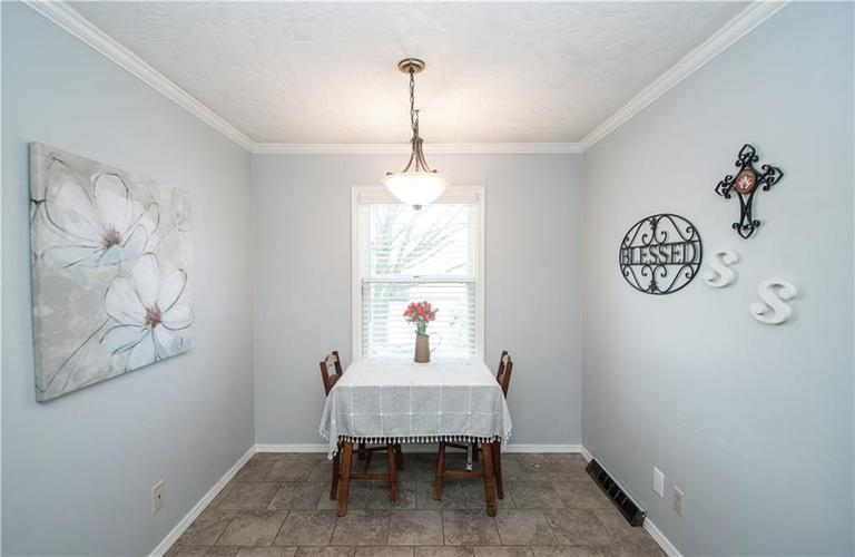 1050 CARTERS GROVE Indianapolis IN 46260 | MLS 21707306 | photo 15