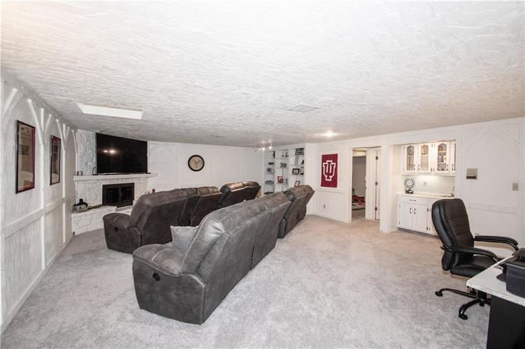1050 CARTERS GROVE Indianapolis IN 46260 | MLS 21707306 | photo 25