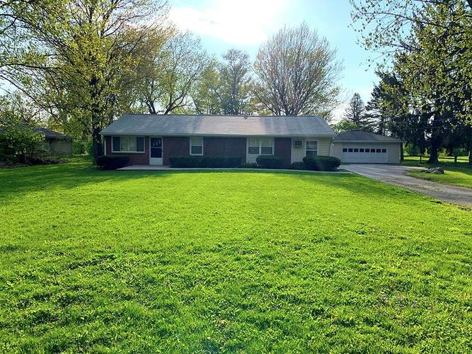 4646 Woodland Drive Indianapolis IN 46254 | MLS 21707367 | photo 1