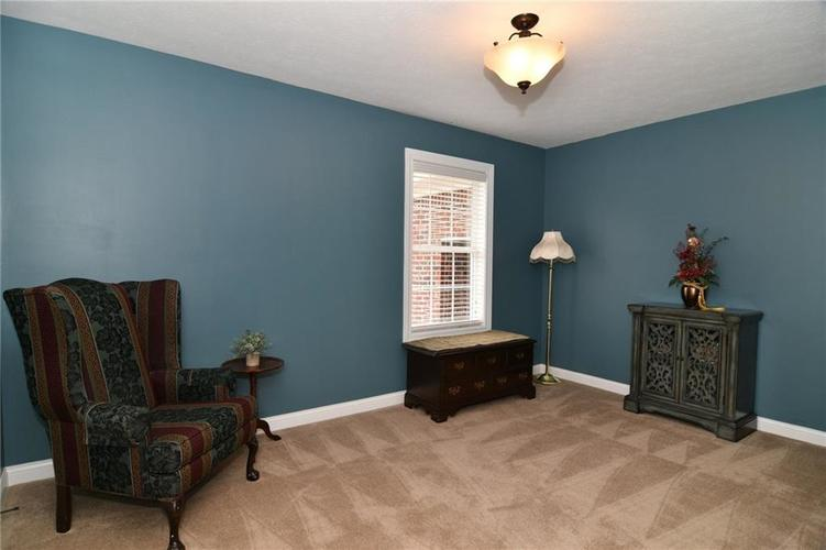 7621 Black Walnut Drive Avon IN 46123 | MLS 21707410 | photo 17