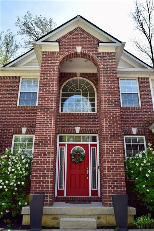 7621 Black Walnut Drive Avon IN 46123 | MLS 21707410 | photo 2