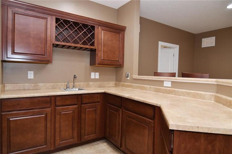 7621 Black Walnut Drive Avon IN 46123 | MLS 21707410 | photo 24
