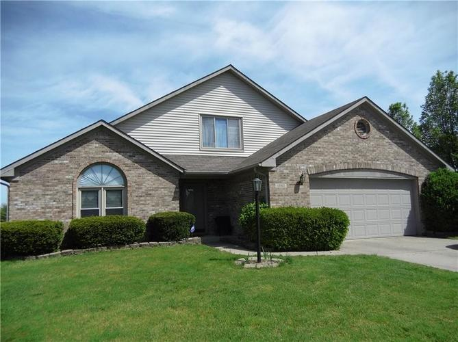 11860 Shannon Pointe Road Indianapolis IN 46229 | MLS 21707487 | photo 1
