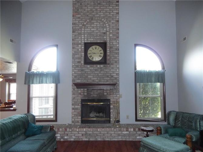 11860 Shannon Pointe Road Indianapolis IN 46229 | MLS 21707487 | photo 10