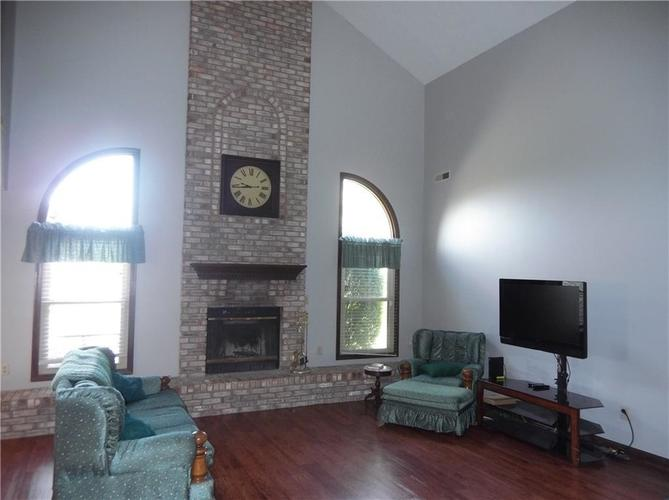 11860 Shannon Pointe Road Indianapolis IN 46229 | MLS 21707487 | photo 11