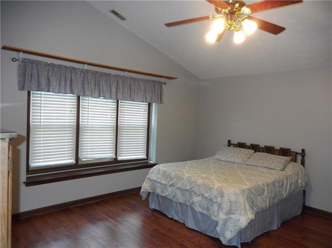 11860 Shannon Pointe Road Indianapolis IN 46229 | MLS 21707487 | photo 22