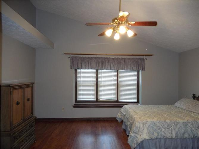 11860 Shannon Pointe Road Indianapolis IN 46229 | MLS 21707487 | photo 23