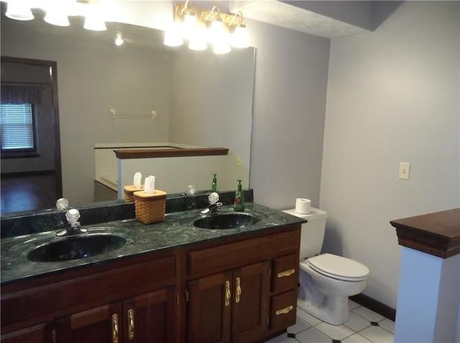 11860 Shannon Pointe Road Indianapolis IN 46229 | MLS 21707487 | photo 25