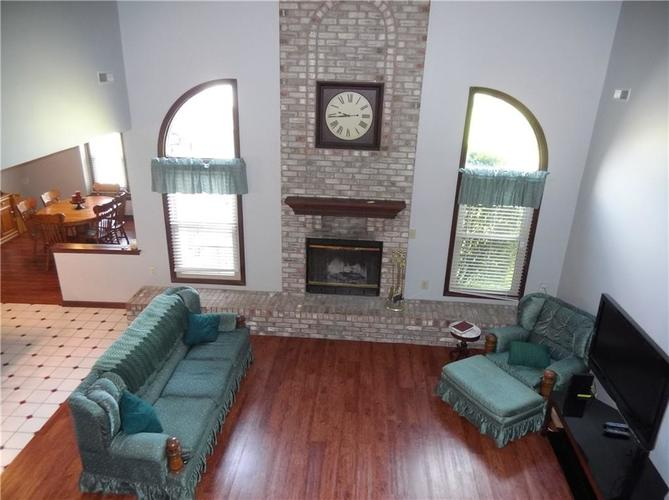 11860 Shannon Pointe Road Indianapolis IN 46229 | MLS 21707487 | photo 8