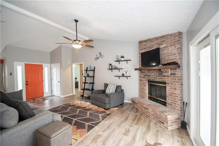 6731 Sextant Drive Indianapolis IN 46260 | MLS 21707498 | photo 10