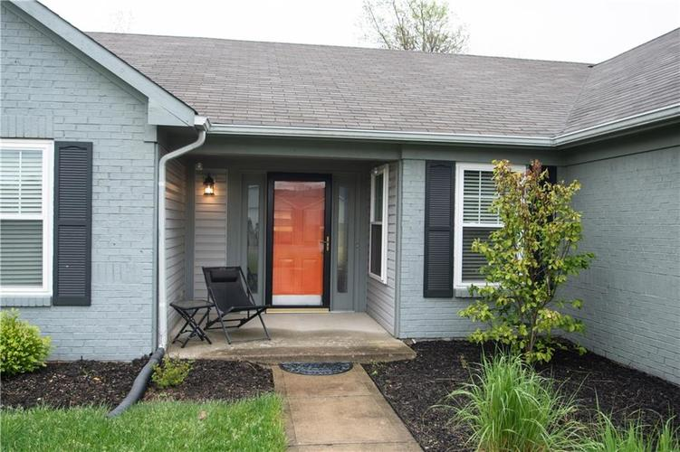6731 Sextant Drive Indianapolis IN 46260 | MLS 21707498 | photo 2