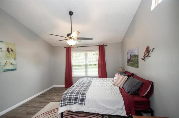 6731 Sextant Drive Indianapolis IN 46260 | MLS 21707498 | photo 26