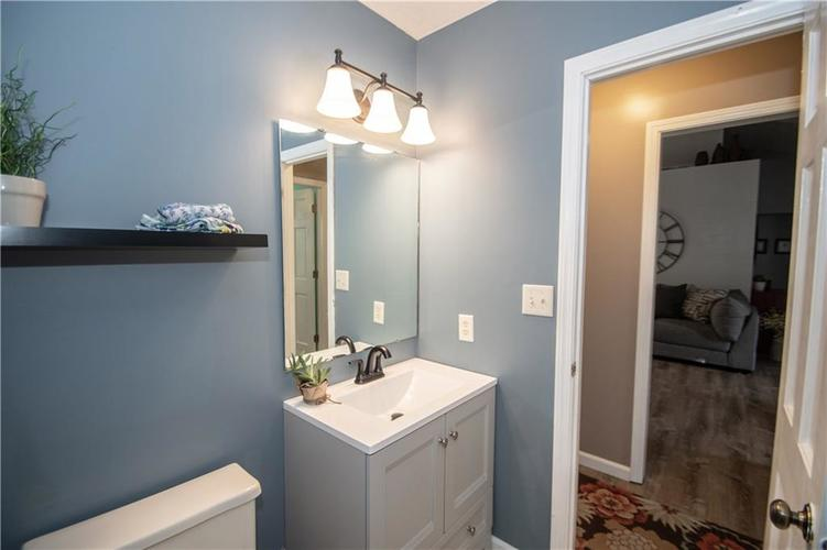 6731 Sextant Drive Indianapolis IN 46260 | MLS 21707498 | photo 39