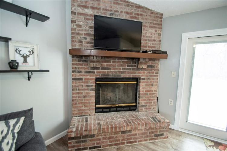 6731 Sextant Drive Indianapolis IN 46260 | MLS 21707498 | photo 7