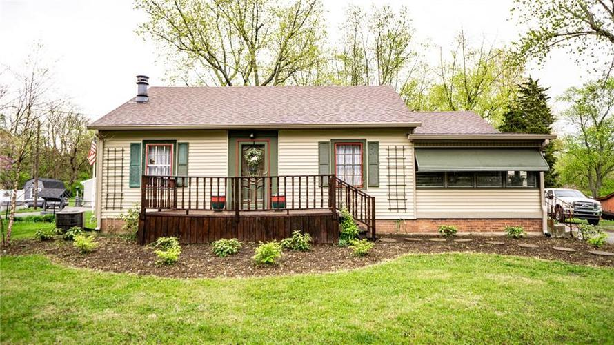 2335 S RITTER Avenue Indianapolis IN 46203 | MLS 21707559 | photo 2