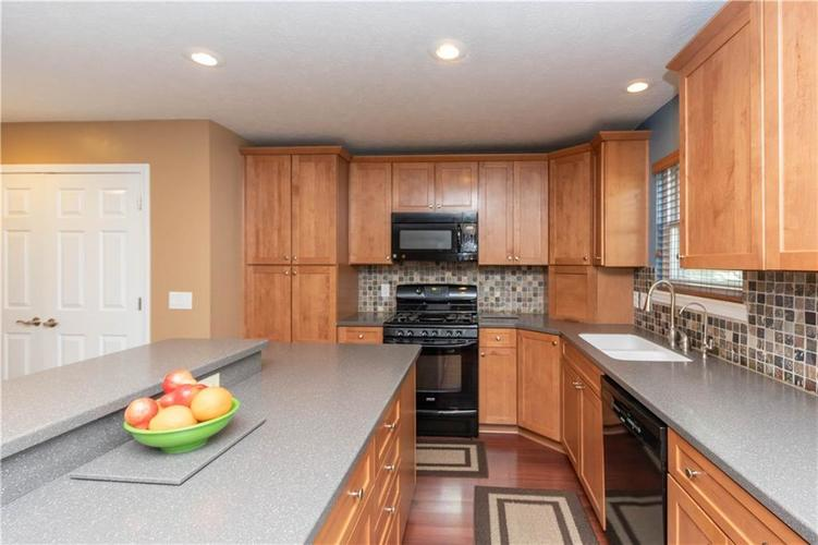 10167 Tybalt Drive Fishers IN 46038   MLS 21707580   photo 11