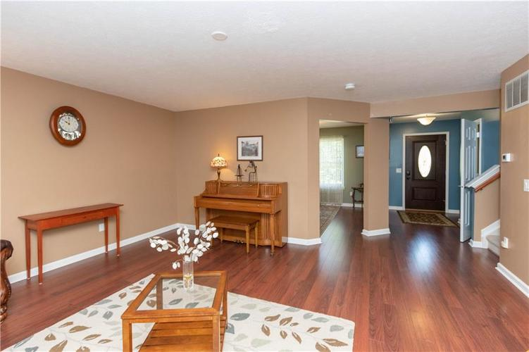 10167 Tybalt Drive Fishers IN 46038   MLS 21707580   photo 7