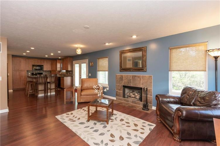 10167 Tybalt Drive Fishers IN 46038   MLS 21707580   photo 8