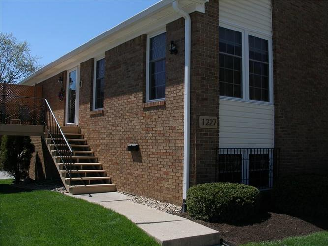 1227 Kings Cove Court Indianapolis IN 46260 | MLS 21707664 | photo 1