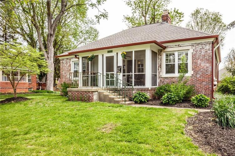 6517 Riverview Drive Indianapolis IN 46220 | MLS 21707890 | photo 1