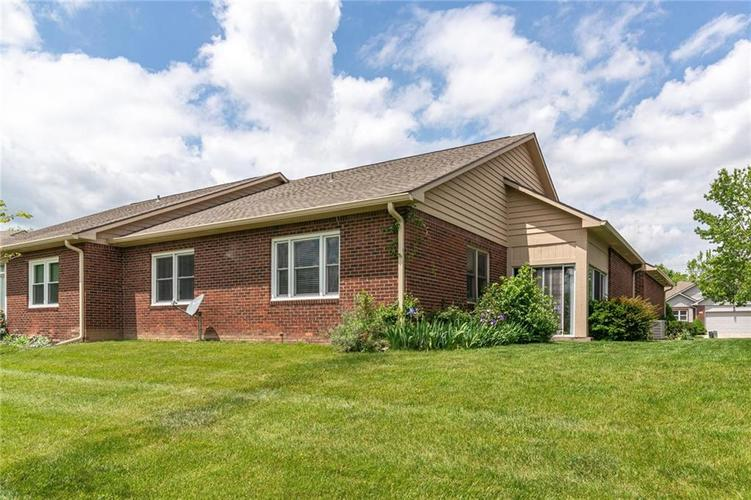 5367 Steinmeier Drive N Indianapolis IN 46220 | MLS 21707910 | photo 4