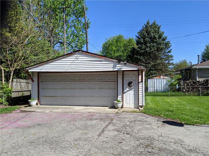 6822 E 46TH Street Lawrence  IN 46226 | MLS 21707963 | photo 15