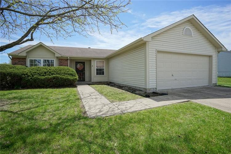 10153 ARAPAHOE Drive Indianapolis IN 46235 | MLS 21708154 | photo 1
