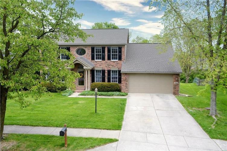 12018 Glen Cove Drive Indianapolis IN 46236 | MLS 21708155 | photo 2