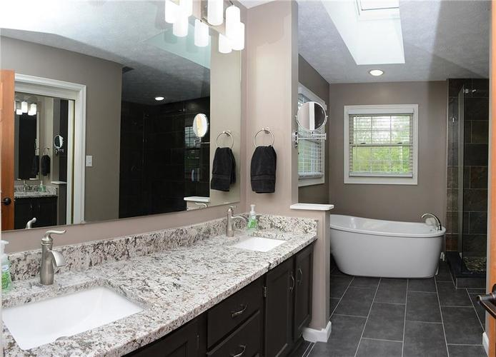 12018 Glen Cove Drive Indianapolis IN 46236 | MLS 21708155 | photo 26