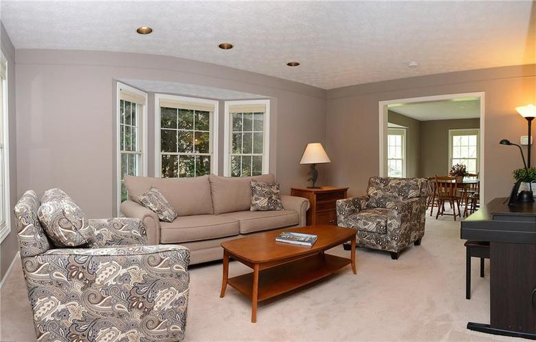 12018 Glen Cove Drive Indianapolis IN 46236 | MLS 21708155 | photo 7