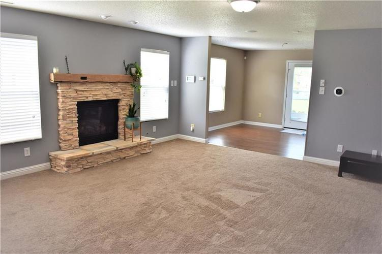 8550 Gold Rush Way Camby IN 46113 | MLS 21708210 | photo 3