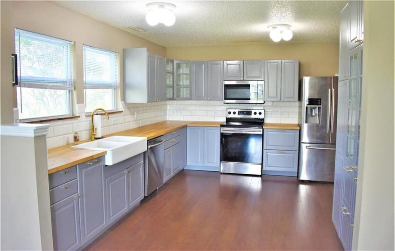 8550 Gold Rush Way Camby IN 46113 | MLS 21708210 | photo 5