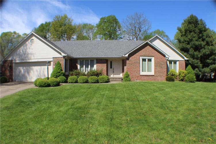 1958 Inverness Place Greenwood IN 46143 | MLS 21708242 | photo 1