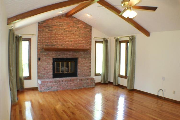 1958 Inverness Place Greenwood IN 46143 | MLS 21708242 | photo 7