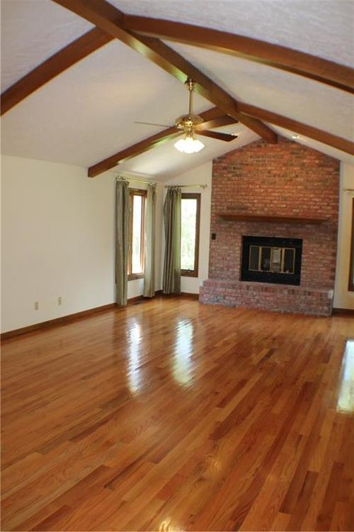 1958 Inverness Place Greenwood IN 46143 | MLS 21708242 | photo 8