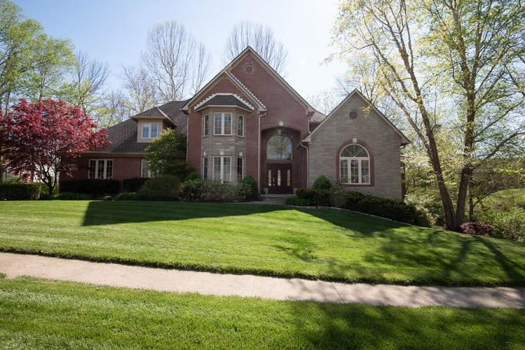 3274 Highpoint Court Greenwood IN 46143 | MLS 21708243 | photo 1