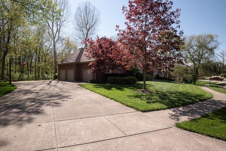 3274 Highpoint Court Greenwood IN 46143 | MLS 21708243 | photo 5