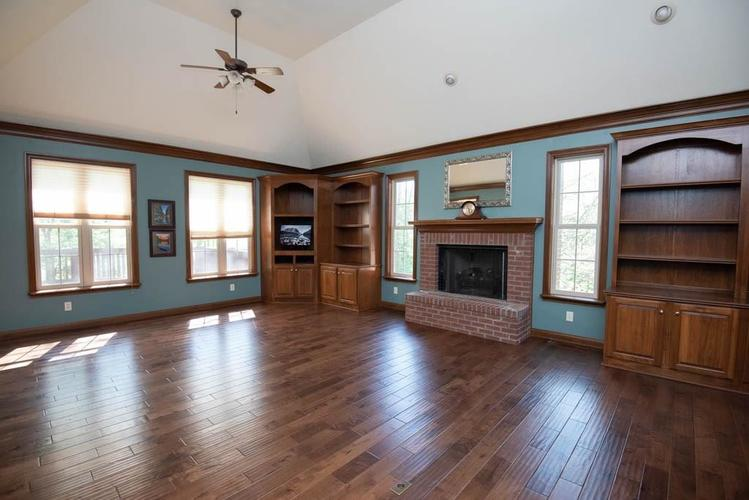 3274 Highpoint Court Greenwood IN 46143 | MLS 21708243 | photo 8