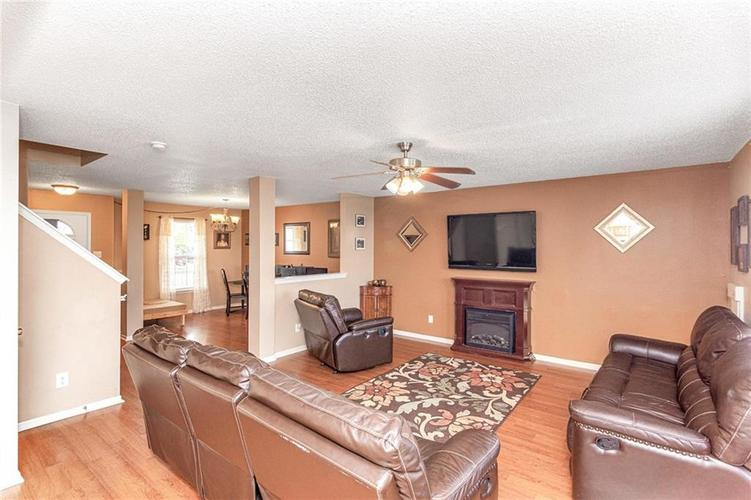 8724 BLOOMING GROVE Drive Camby IN 46113 | MLS 21708382 | photo 10