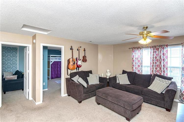8724 BLOOMING GROVE Drive Camby IN 46113 | MLS 21708382 | photo 16
