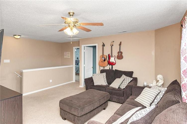 8724 BLOOMING GROVE Drive Camby IN 46113 | MLS 21708382 | photo 17