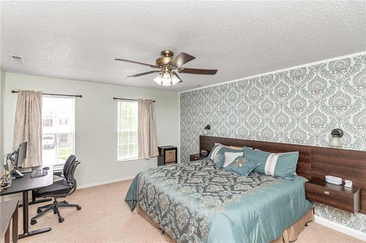 8724 BLOOMING GROVE Drive Camby IN 46113 | MLS 21708382 | photo 19