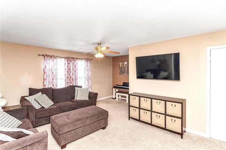 8724 BLOOMING GROVE Drive Camby IN 46113 | MLS 21708382 | photo 26