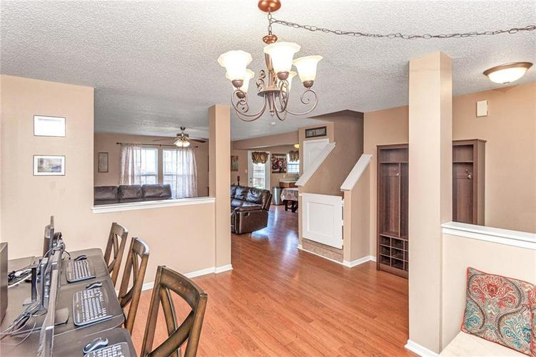 8724 BLOOMING GROVE Drive Camby IN 46113 | MLS 21708382 | photo 5